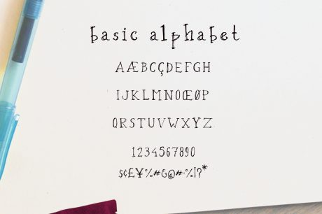 OXYA Hand crafted Font